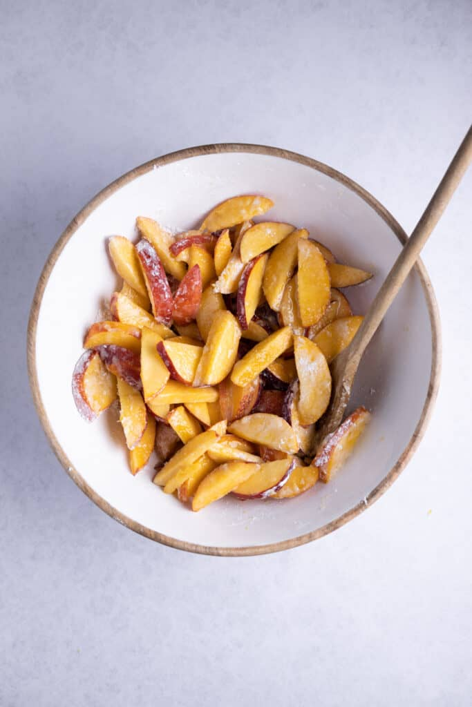 sliced nectarines in a bowl